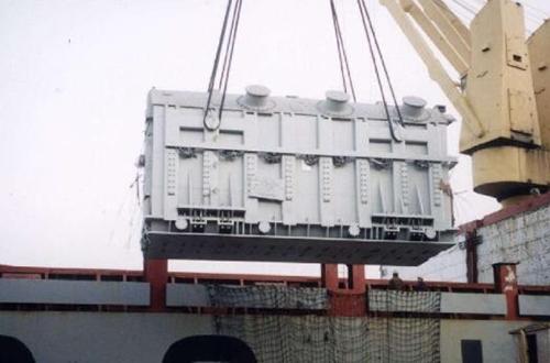 工程设备装船